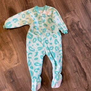 Childrens place pyjamas
